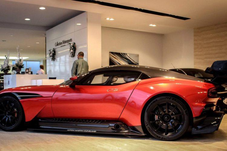 Aston Martin Vulcan (5)