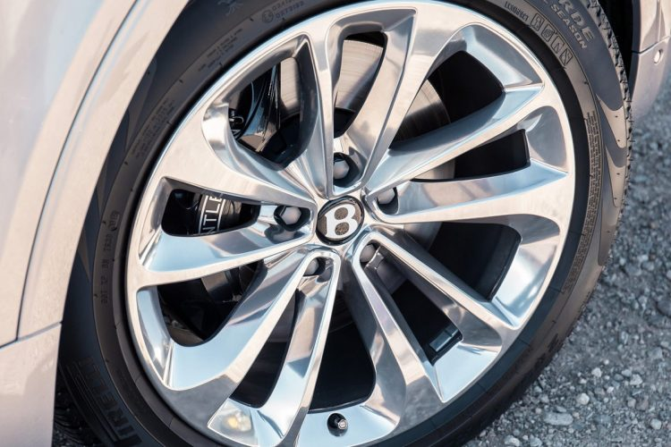 Bentley-Bentayga-(21)