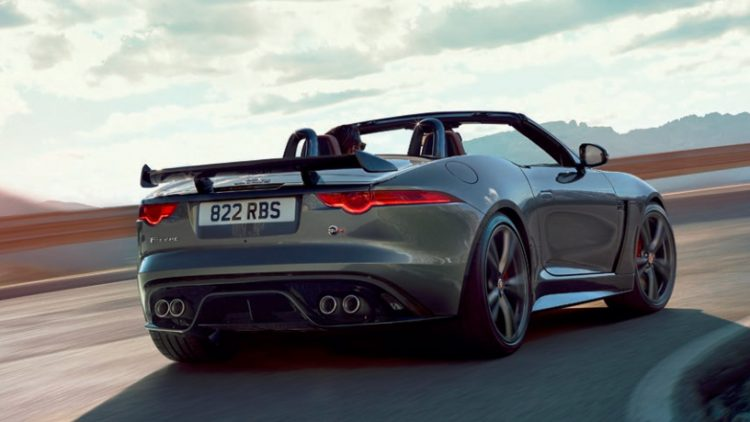 Jaguar F-Type SVR 2016 (10)