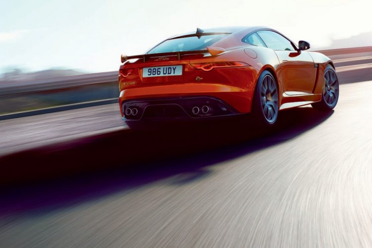 Jaguar F-Type SVR 2016 (2)