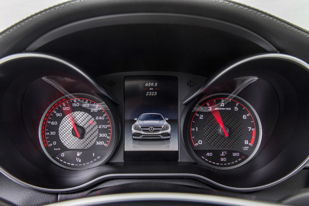 Mercedes-AMG C 63 Coupé S 2015 (18)