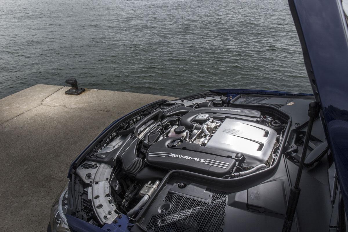 Mercedes-AMG C 63 Coupé S 2015 (8)