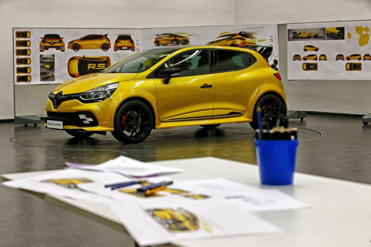 Renault Clio R.S. 16 2016 Wallpaper (6)