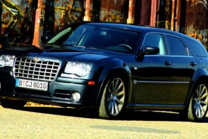 Chrysler-300C-SRT8-(23)