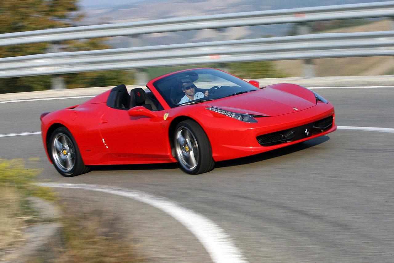 Ferrari-458-Spider-2012-(1)