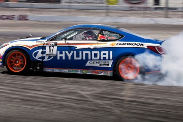 Hyundai-Genesis-Coupe-Drift