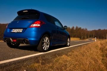 Suzuki-Swift-Sport-Driven-W