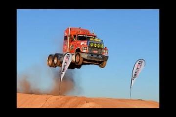 Video: Sensationeller Truck-Jump