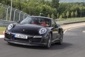 In 3,1 Sekunden geht's im neuen Super-911er auf Tempo 100, Schluss ist erst bei 318 km/h.