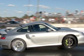 Video: 900 PS starker Porsche GT2 macht Wheelie