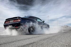 2015-Dodge-Challenger-SRT-17