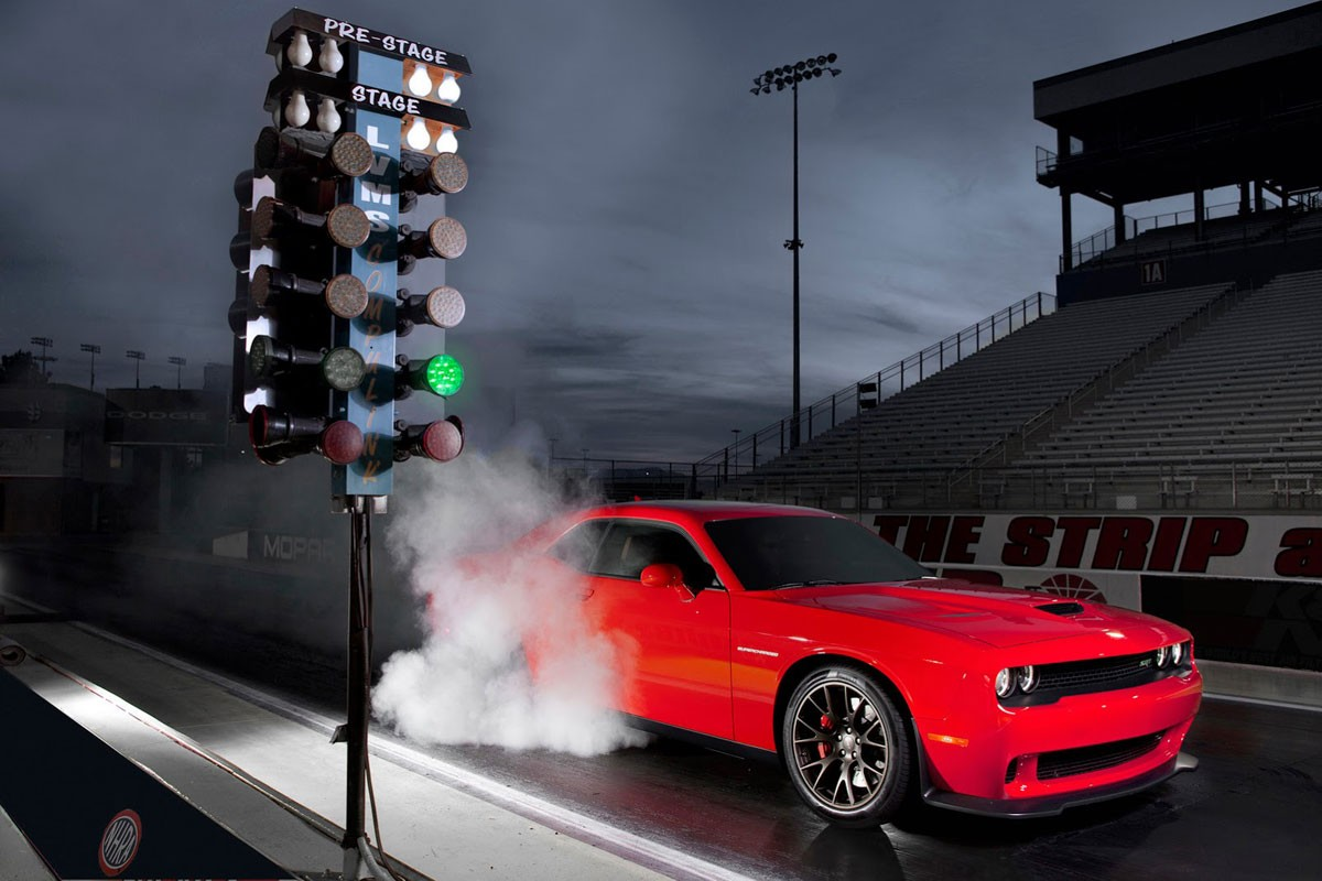 2015-Dodge-Challenger-SRT-7