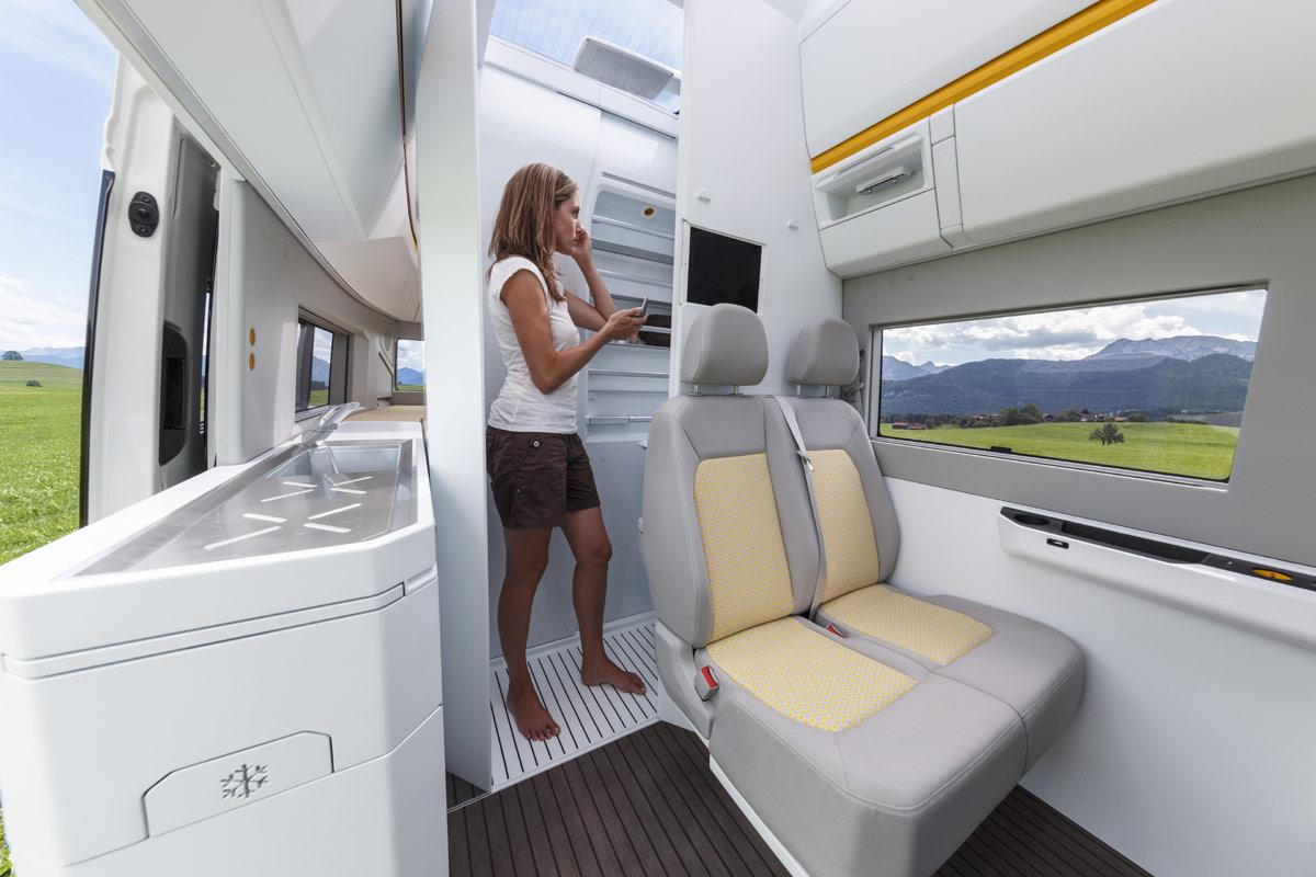 Vw California Xxl Schicke Wohnmobil Studie Auf Crafter Basis