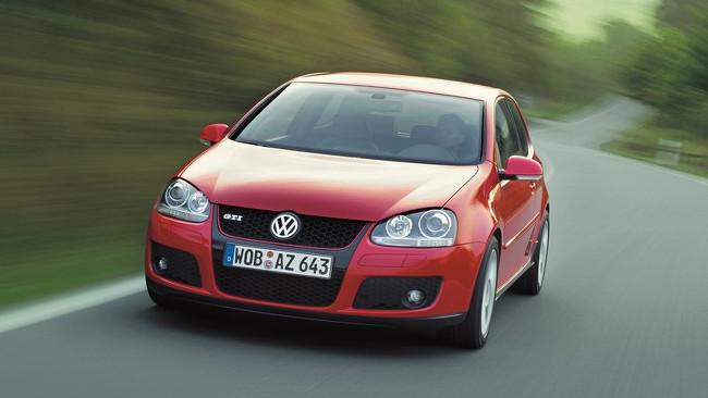 Volkswagen-Golf_GTI_2004_800x600_wallpaper_01