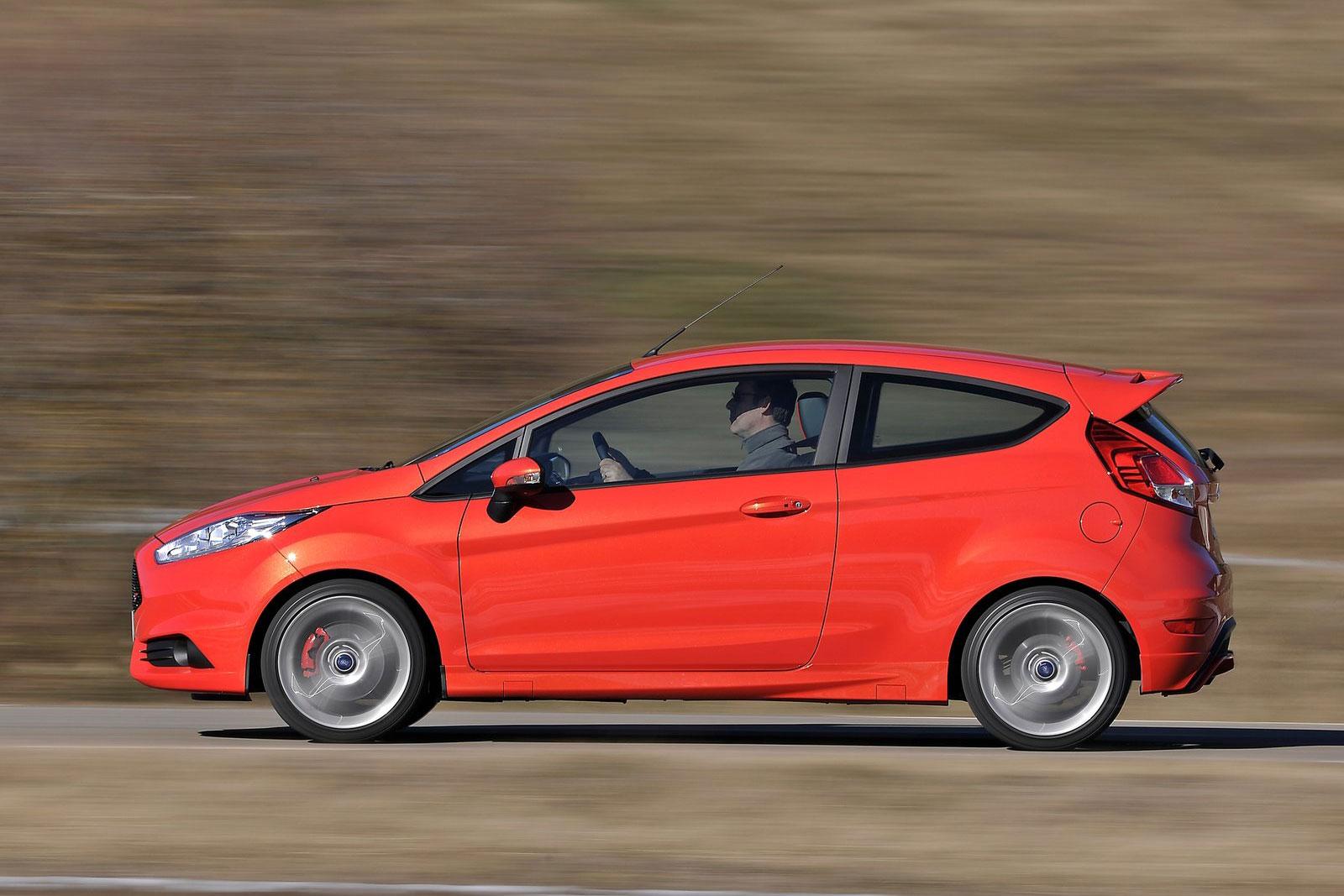 Ford-Fiesta-ST-(3)