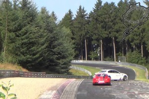 Video: BMW M5 Ring-Taxi crasht in die Leitplanke