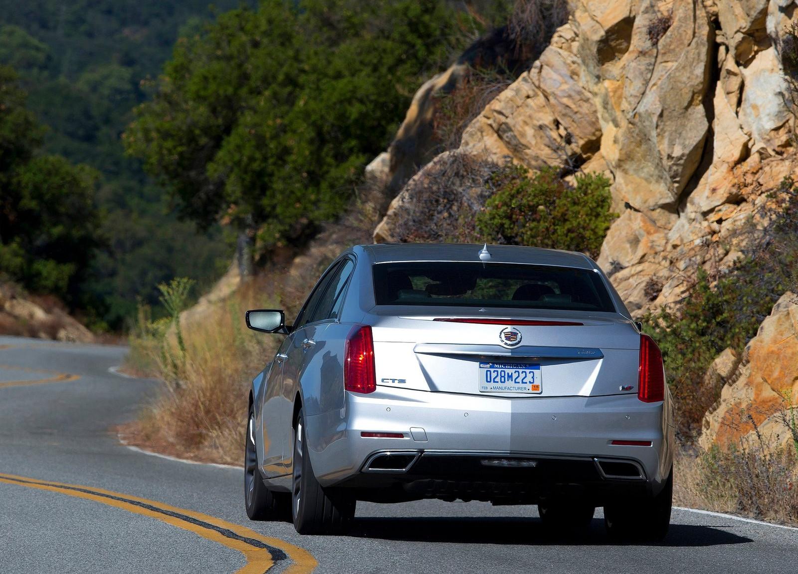 Cadillac-CTS_2014_1600x1200_wallpaper_3a