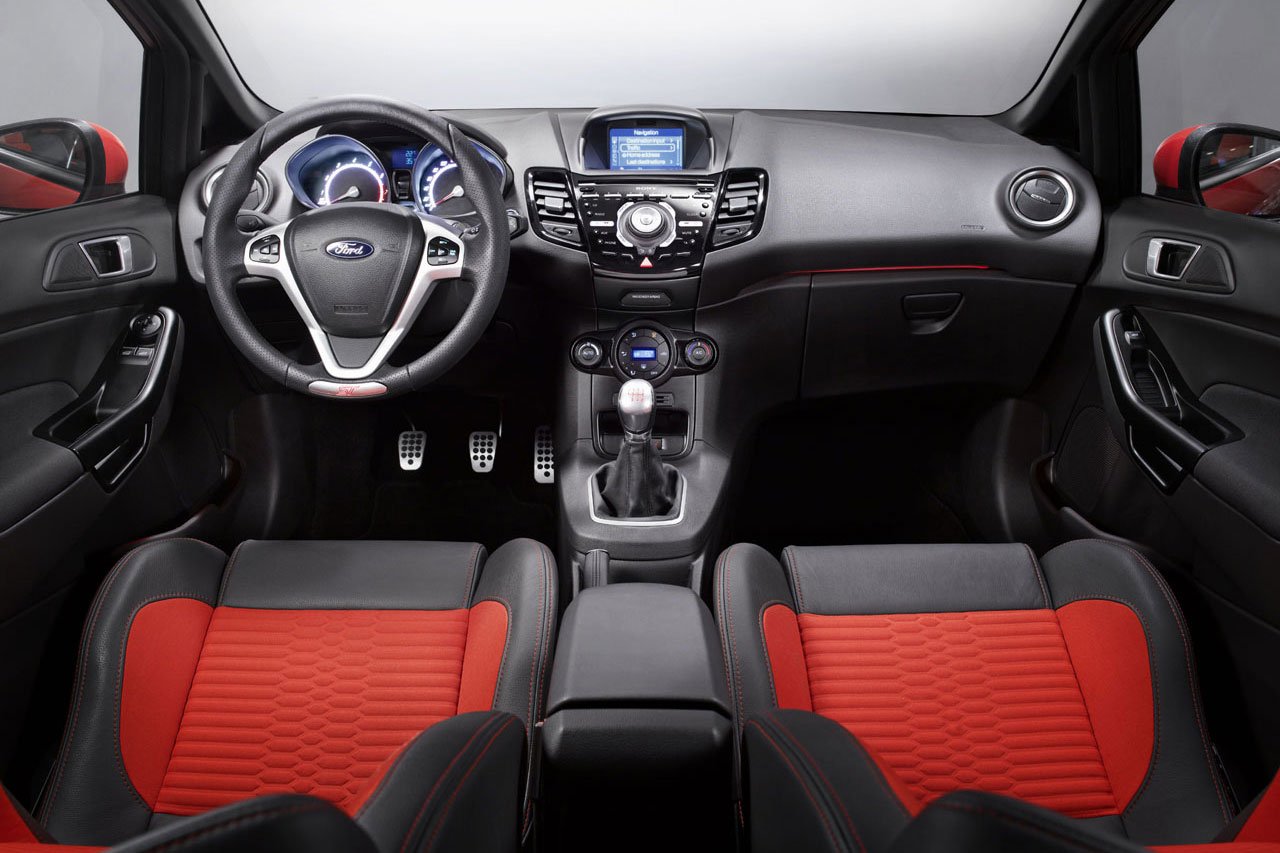 Ford Fiesta ST 2012 Wallpaper (8)