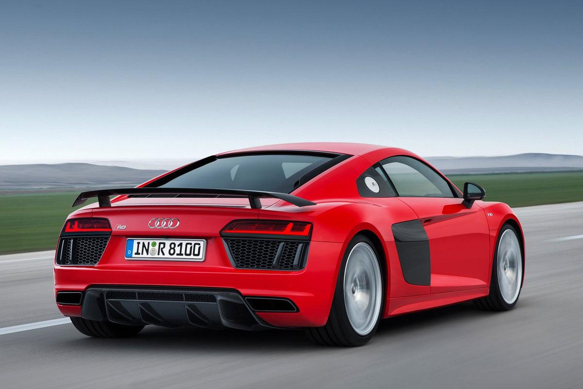 Audi-R8-V10-Plus-(1)