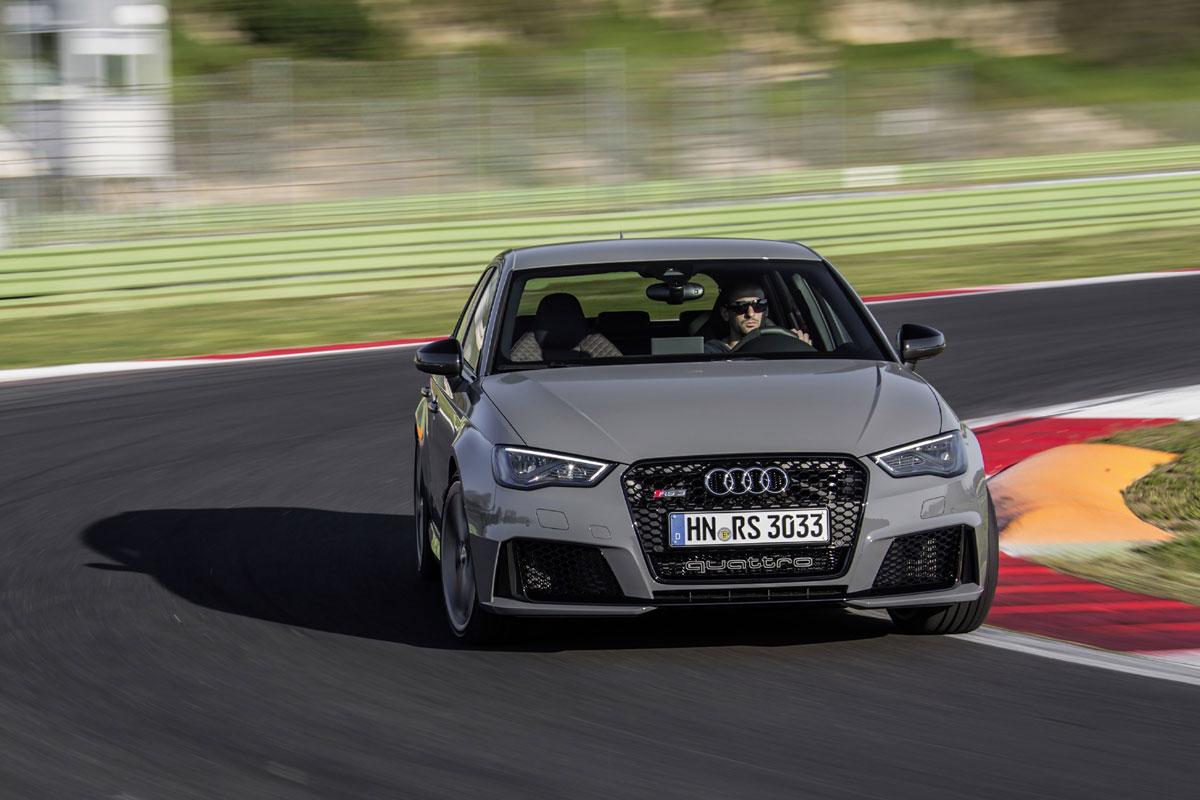 Audi RS3 Sportback 2015 (27)
