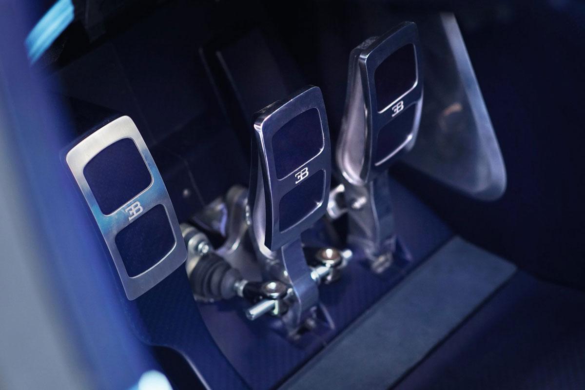 Bugatti-Vision-2015-(10)