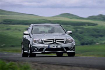 Mercedes-Benz-C63_AMG_2008_1600x1200_wallpaper_20