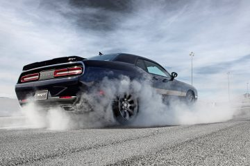Title Dodge-Challenger_SRT_2015_1600x1200_wallpaper_16