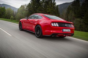 Ford-Mustang_EU-Version_2015_1600x1200_wallpaper_2c