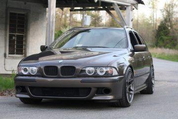 BMW-528i-Touring-1
