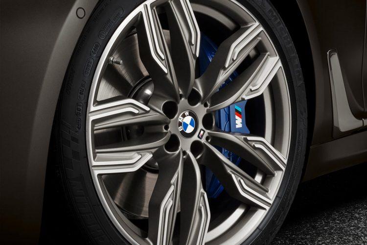 BMW-M760Li_xDrive-(32)