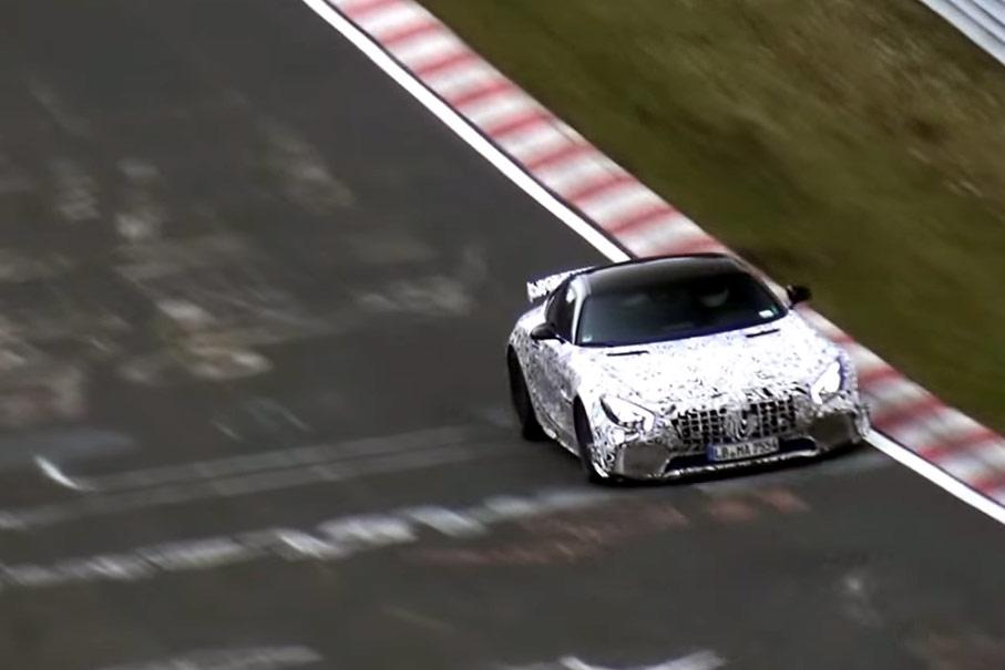 Mercedes-AMG GT-R (1)