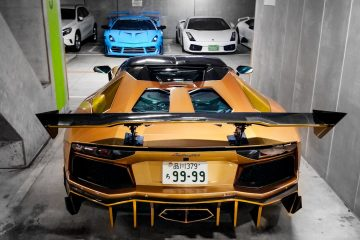 Crazy-Lamborghini-Garage in Japan