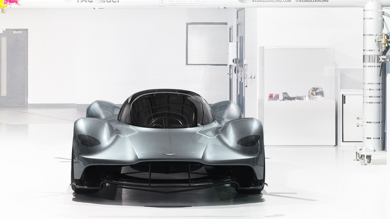 aston-martin-red-bull-racing-am-rb-001(4)