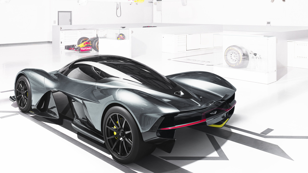 aston-martin-red-bull-racing-am-rb-001(5)