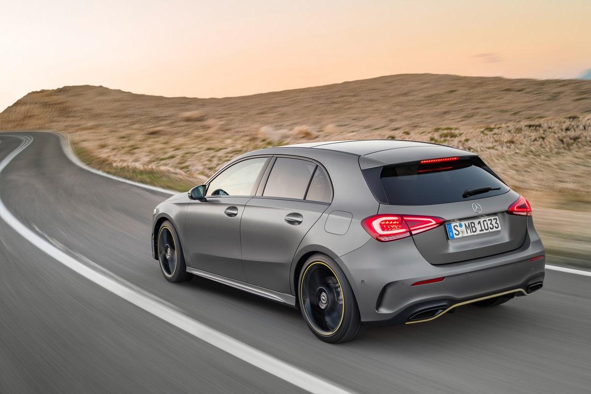 Die neue mercedes benz a klasse oberklasse im kompaktformat for Mercedes benz serie a