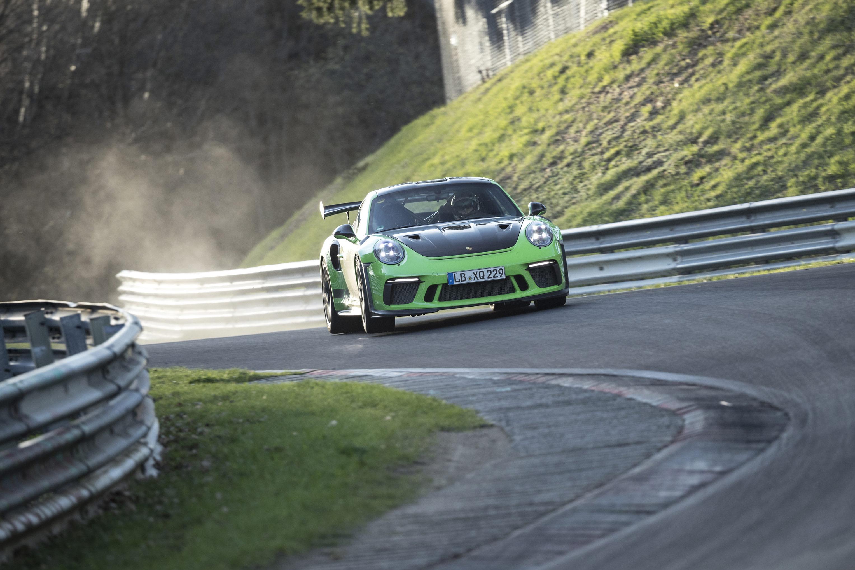 Porsche 911 Gt3 Rs 2018 Knackt Nordschleife In Unter