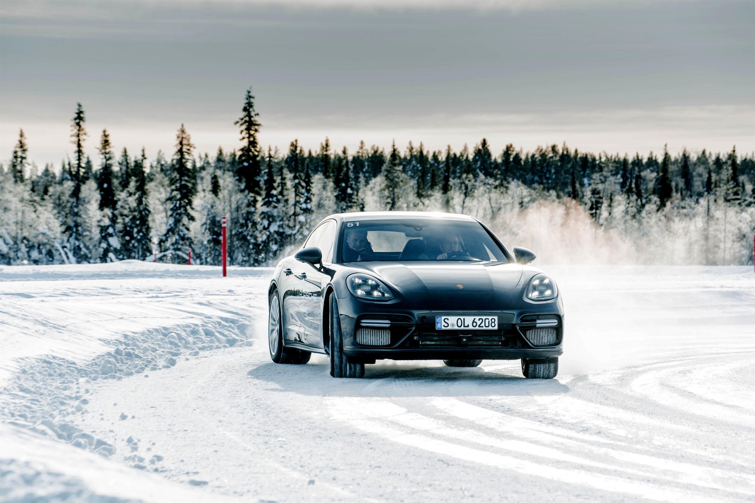 Porsche Panamera Drift