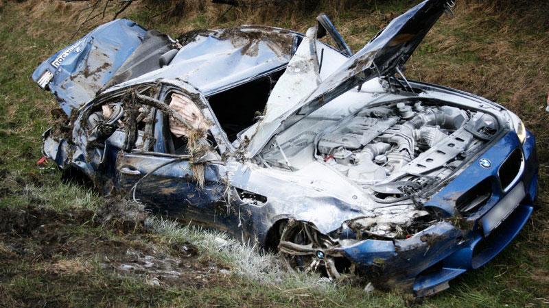 Schwerer Crash Auf Der A81 Bmw M5 Total Zerst 246 Rt