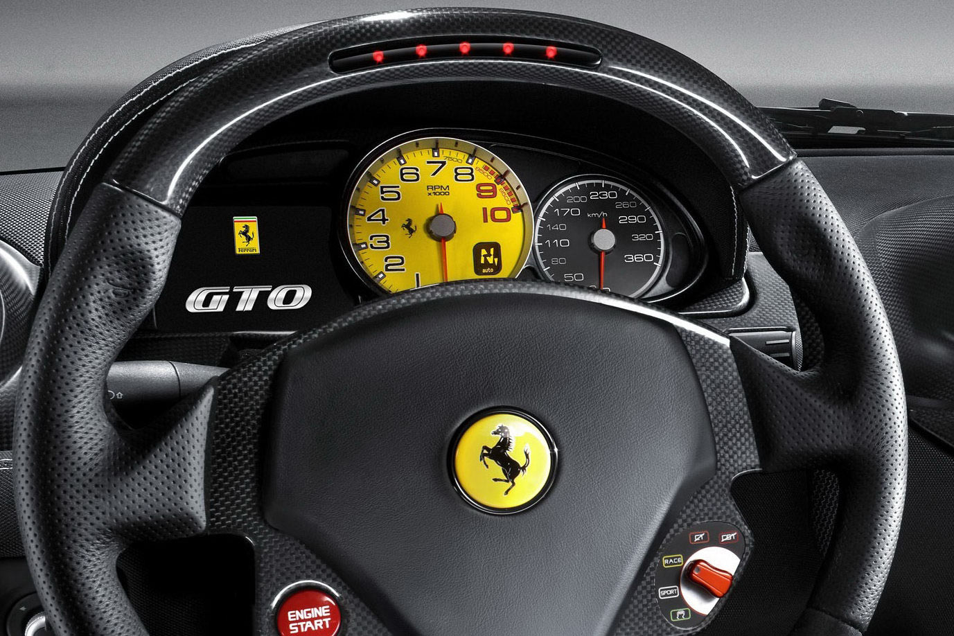Video Ferrari 599 Gto Vs Ferrari 458 Italia