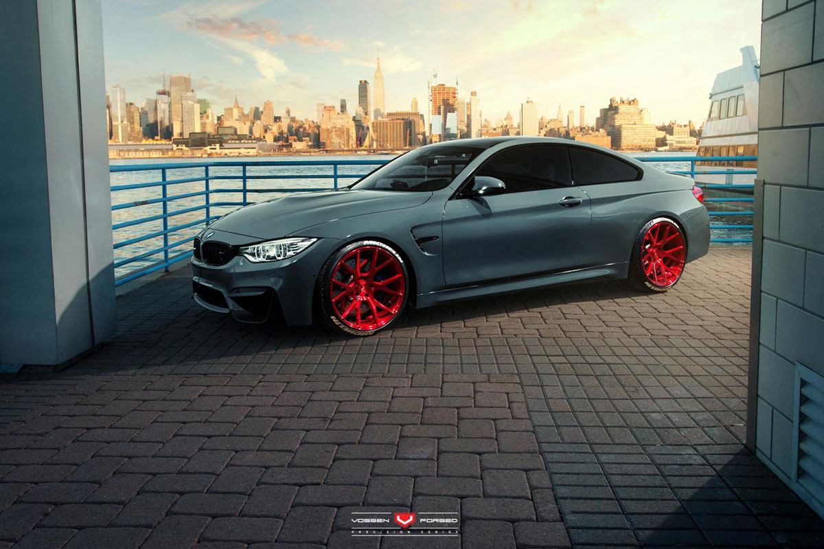 bmw m4 coup mit felgen von vossen wheels. Black Bedroom Furniture Sets. Home Design Ideas