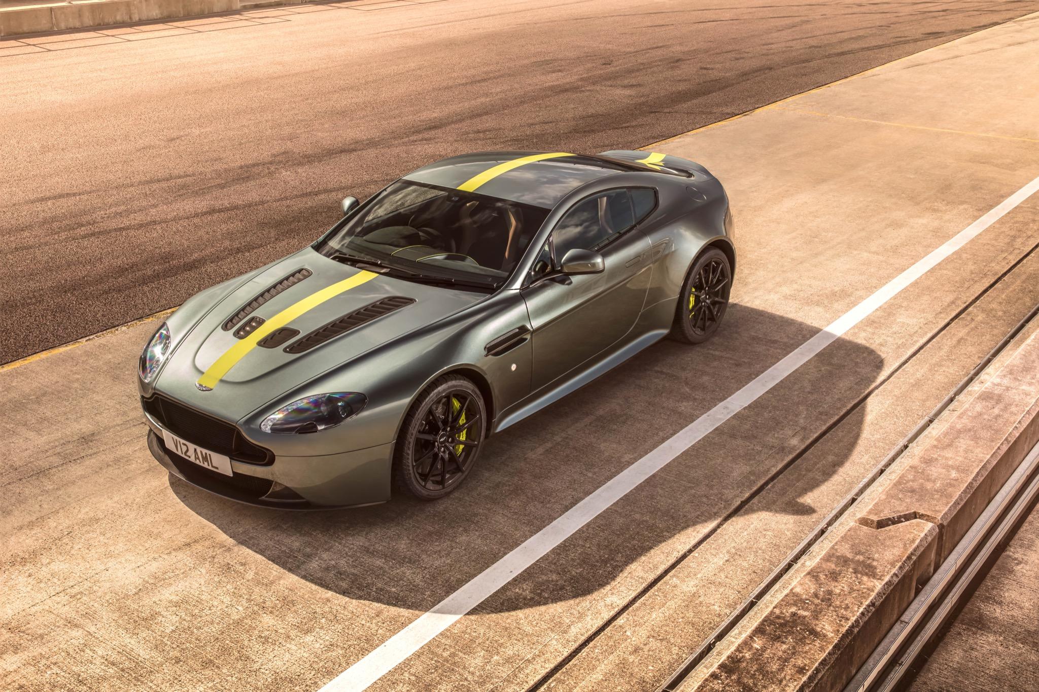 Vorteil Aston Martin V8 Und V12 Vantage Amr Vorgestellt