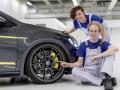 VW-Golf-GTI-Dark-Shine-(5)