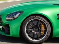Mercedes-Benz-AMG_GT_R-(19)